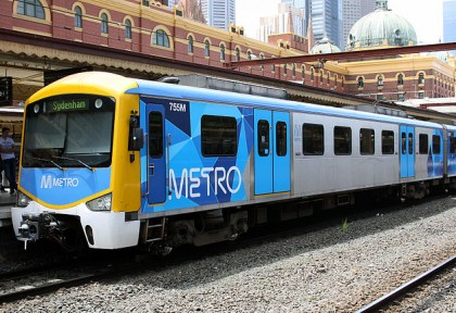 http://upload.wikimedia.org/wikipedia/commons/thumb/a/a7/Siemens_train_in_Metro_Trains_Melbourne_Livery.jpg/640px-Siemens_train_in_Metro_Trains_Melbourne_Livery.jpg