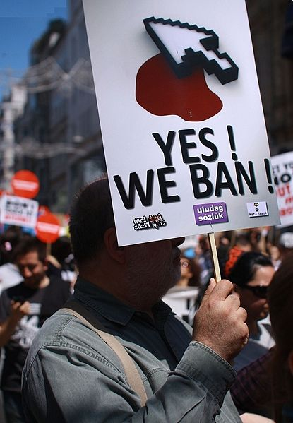 415px-Turkey_internet_ban_protest_2011